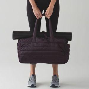 Lululemon Get Lost Duffle Bag Black Cherry Purple